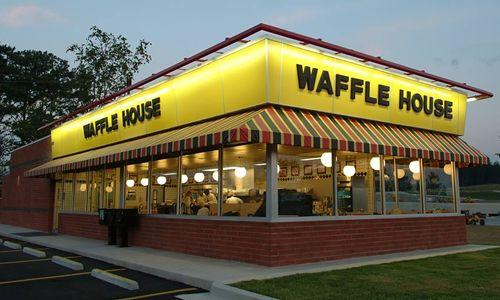 Assault rifle wielding gunman shot during Waffle House robbery