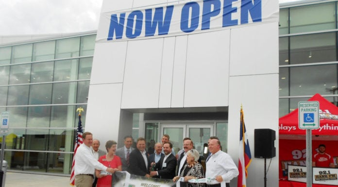 waxahachie Autoplex Celebrates New Ford Facility