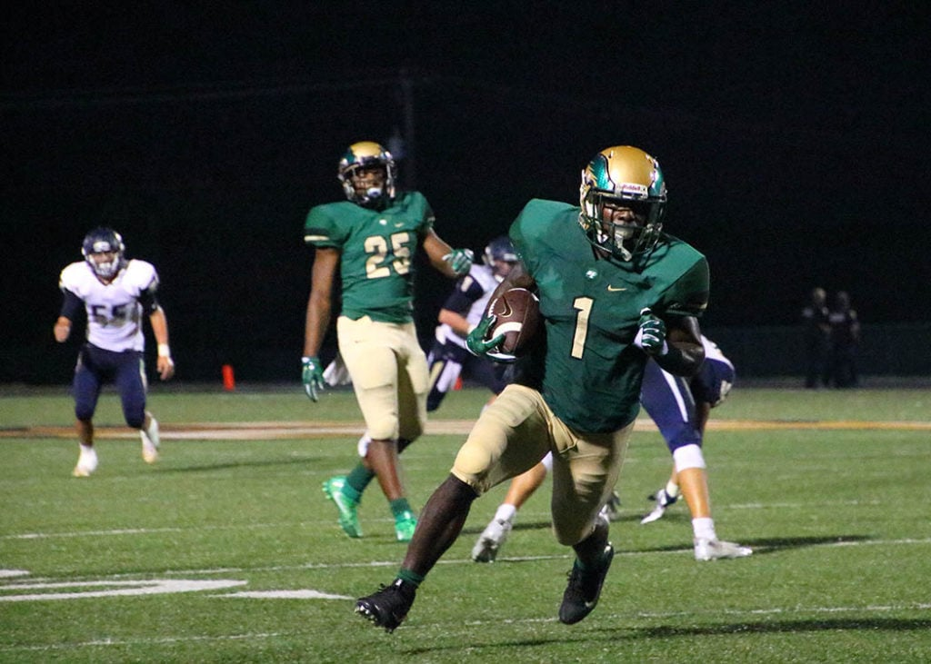 DeSoto Wide Receiver KD Nixon sprinting to the end zone. (Gerardo Salazar/DeSoto High School)