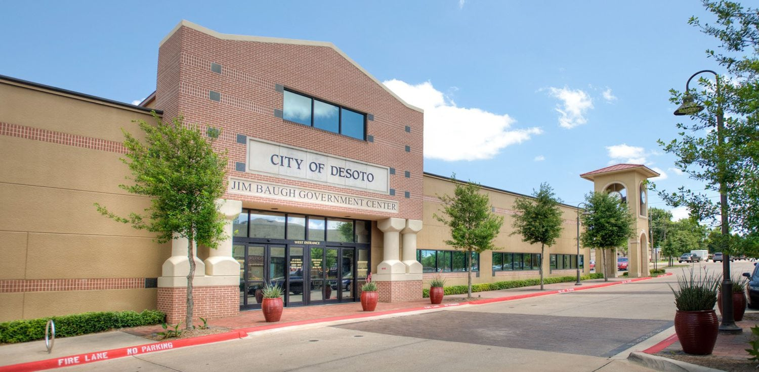 City of DeSoto Resident Discuss HUD Grant Project