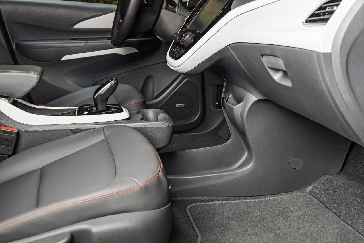 2017-chevrolet-bolt-interior