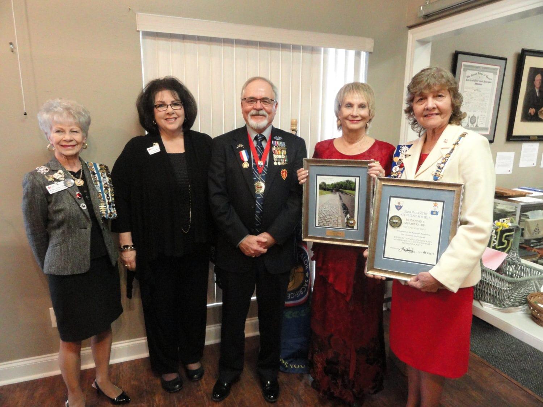 Lt. Col. (R) Lon D. Oakley Jr. Receives TXDAR Award