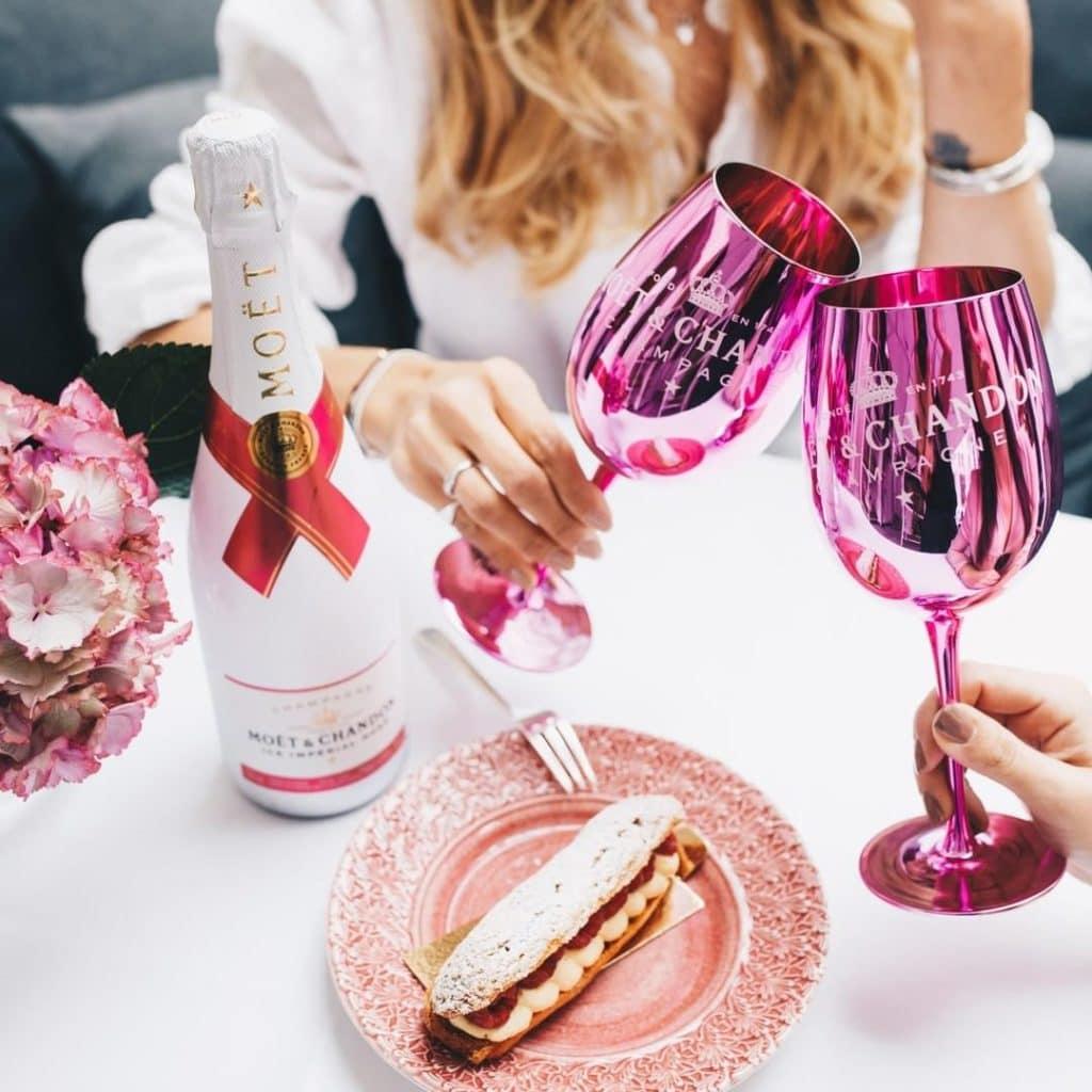 Stoneleigh Hotel Hosts Rose Garden Party