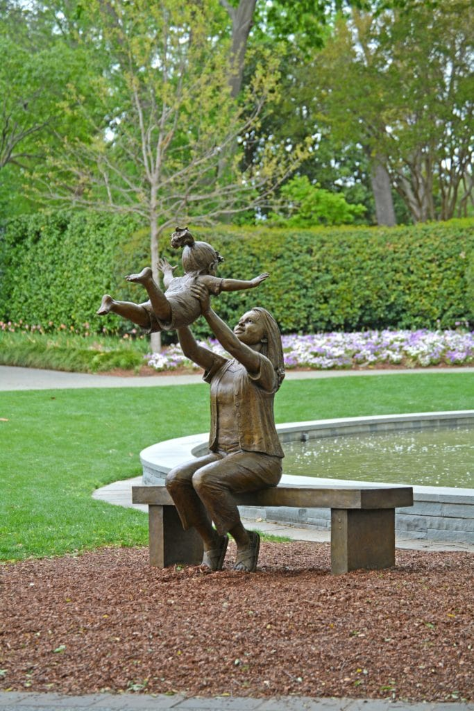 Gary Lee Price exhibition at Dallas Arboretum