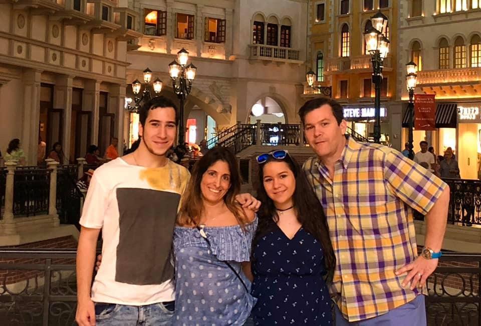 Tia Einhorn and family