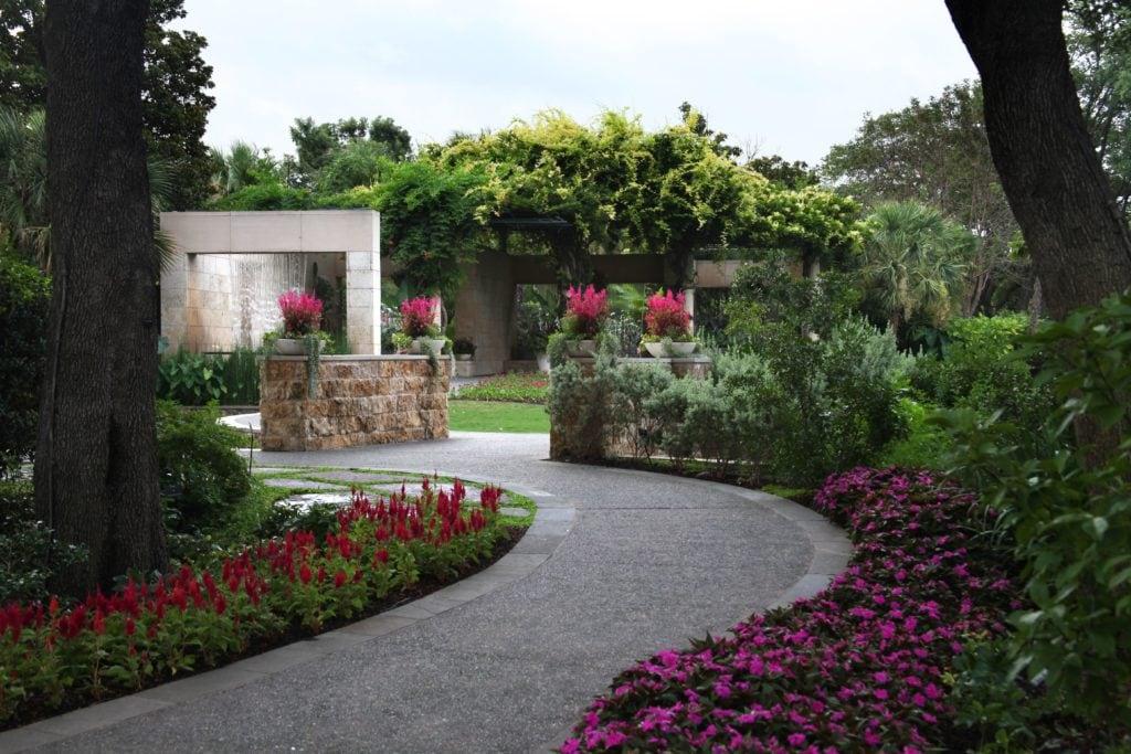 Dallas Arboretum offers $2 admission in August
