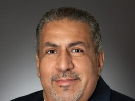 headshot Faustino Flores