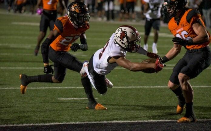 Kadin Salter zips a 27-yard touchdown pass to Dewayne Blanton!