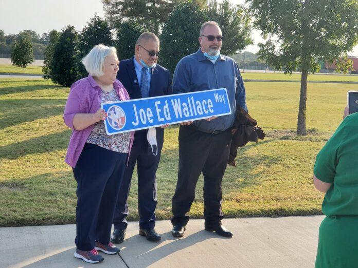 Joe Ed Wallace way street sign