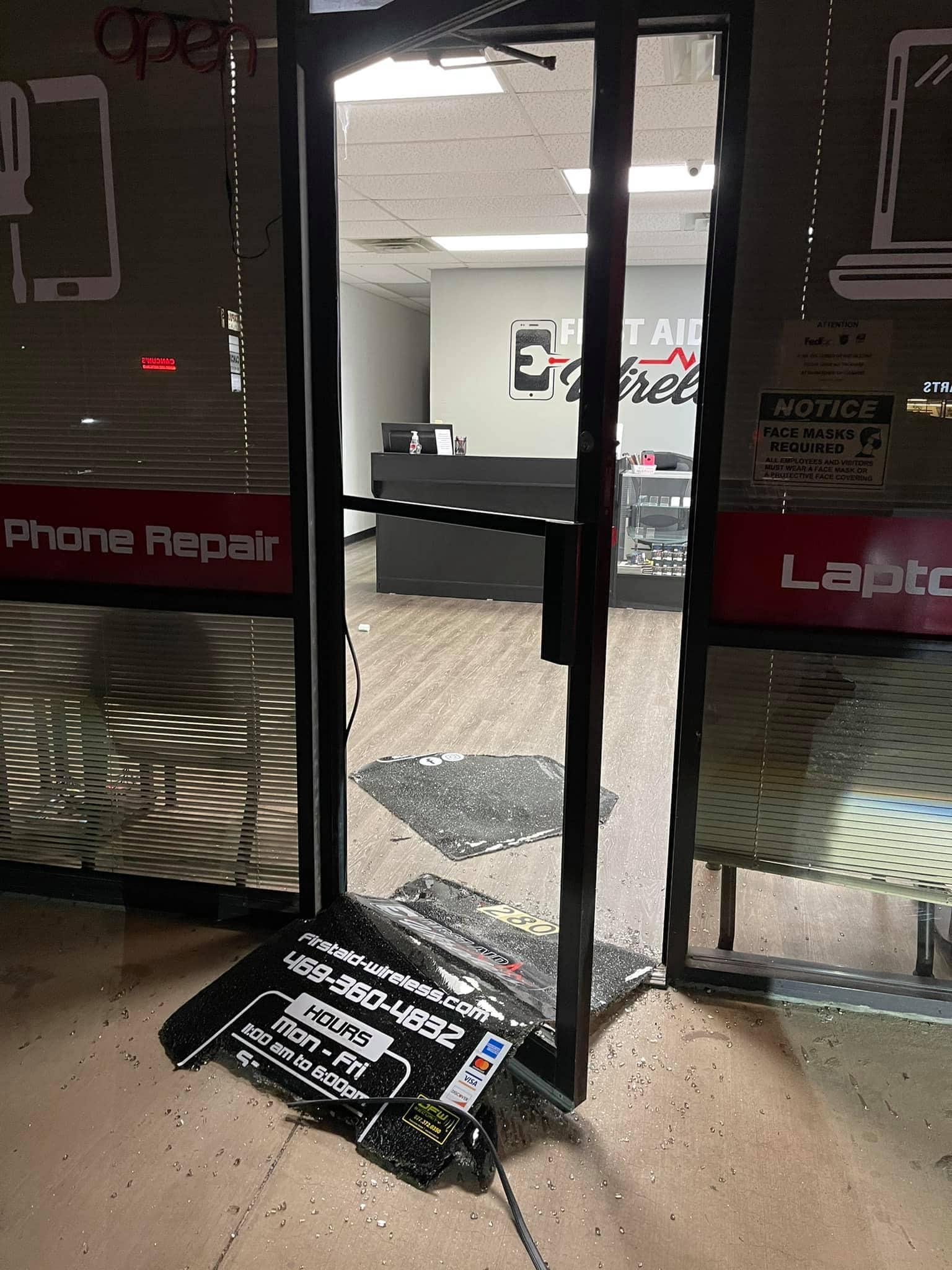 First aid Wireless broken door