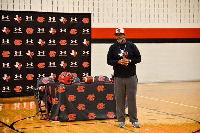 Coach Carlos Lynn