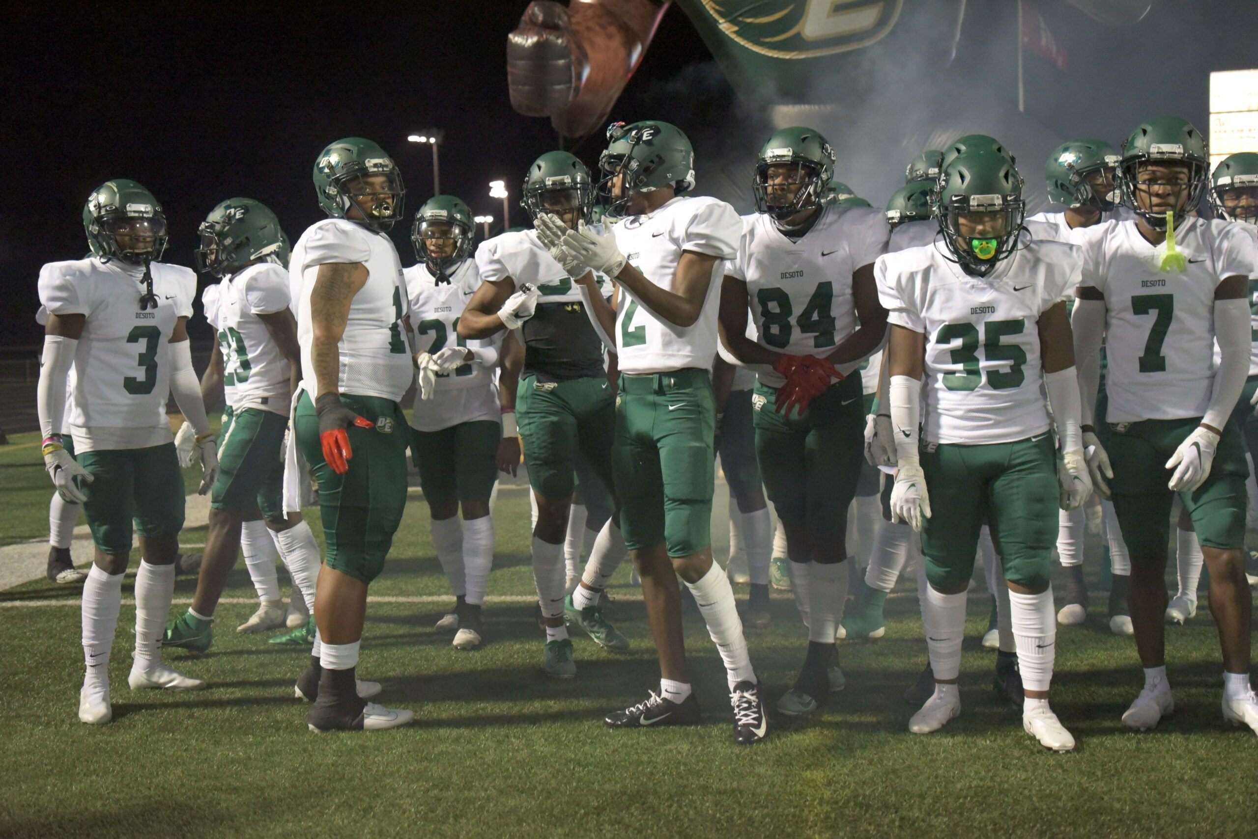 DeSoto football players