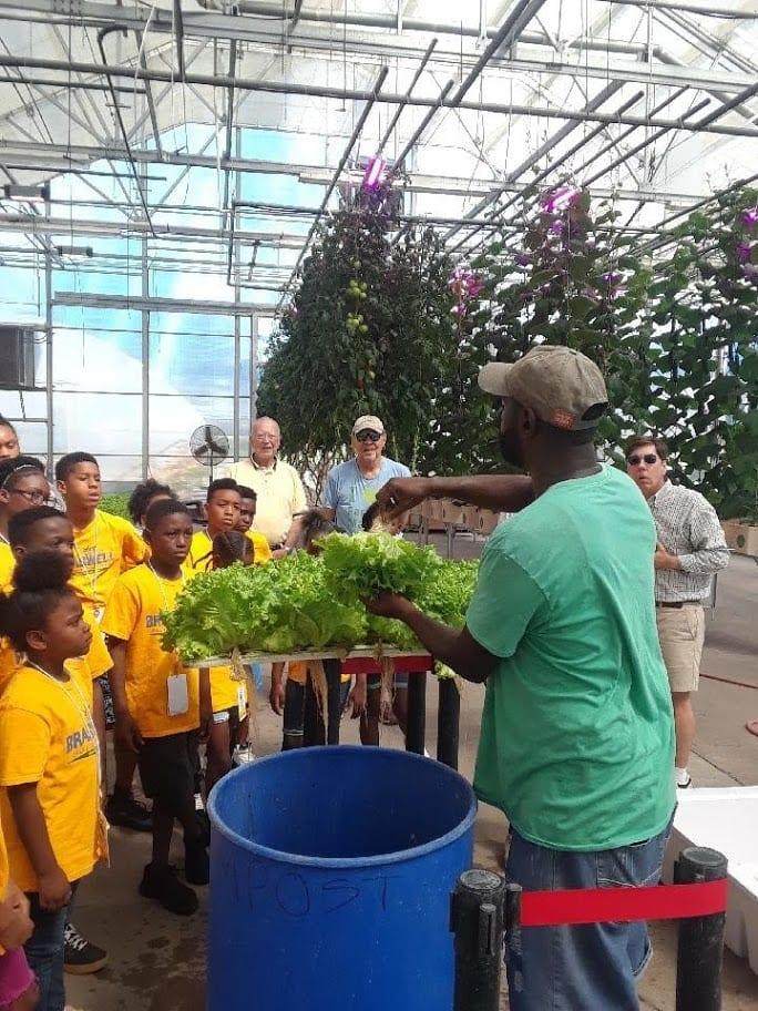 Big Tex Urban Farms donates produce