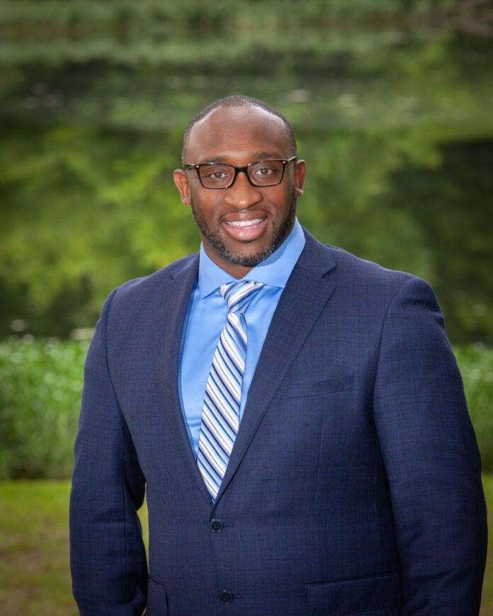 Cedar Hill Mayor Stephen Mason